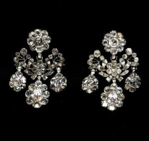 Fr Girandole Earrings image V&A