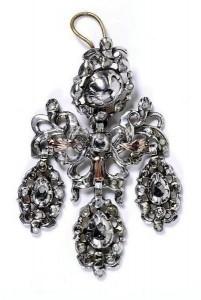 spanish girandole earrings image V&A