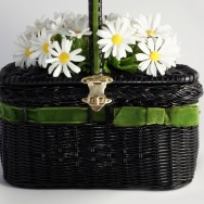 Basket of daises front